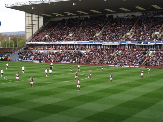 seeing-english-soccer-burnley-kickoff