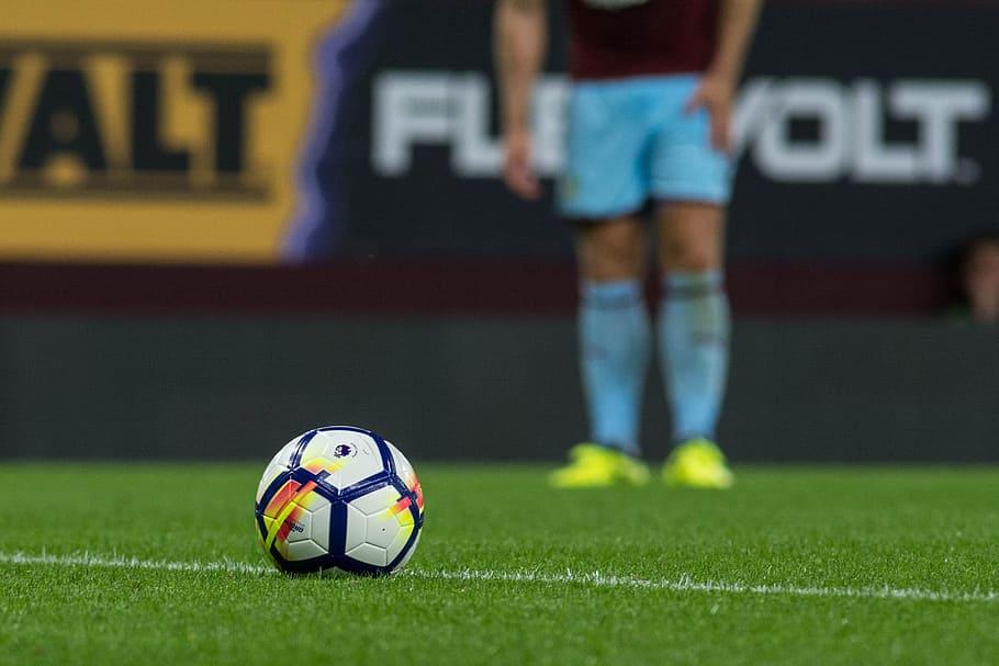 football-soccer-premier-league-ball