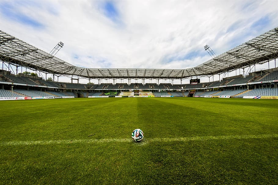 the-ball-stadion-football-the-pitch